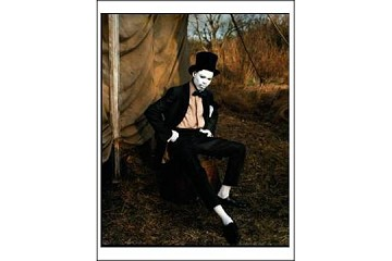 Art Postcard - Chris Rock, Floyd Bennett Field, Brooklyn, 1998 (by Annie Leibovitz)