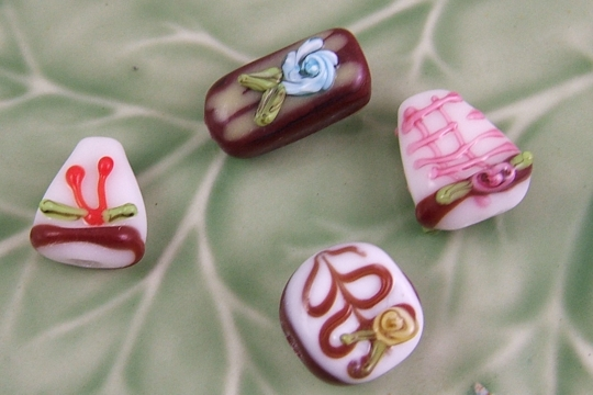Set of 4 Romantic Lampwork Beads Featuring Hearts