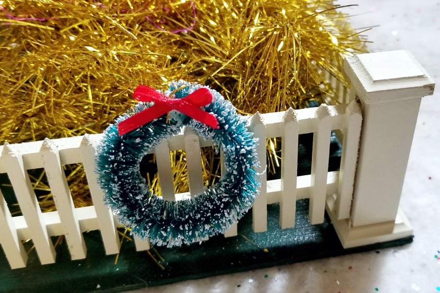 Small Green Frosted Bottle Brush Wreath