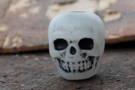 Glow in the Dark Plastic Skull Bead