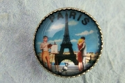 Domed Photographic Button - Paris (with the Eiffel Tower)