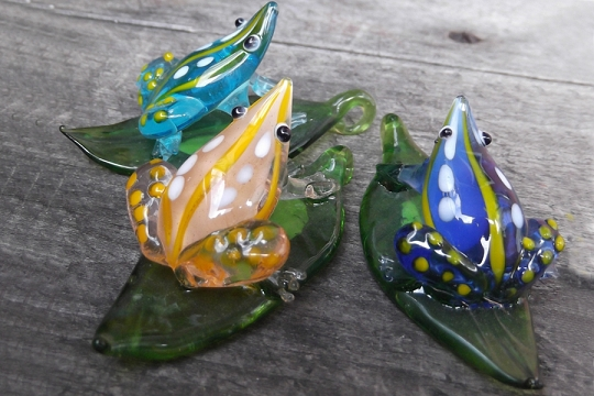 New Old Stock Hand Made Glass Frog on Leaf