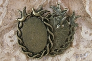 Antiqued Bronze Crows Cabochon Setting (18mm x 25mm)