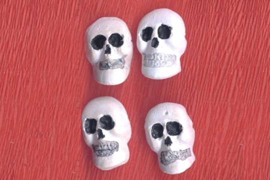 Package of 4 Dental Plaster Skulls