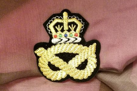 Iron-On Elegant Golden Crest & Rope on Black Applique