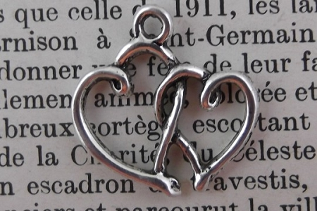 Antiqued Silvery Hearts Intertwined Charm