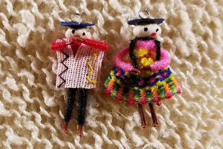 Cholitas Couple - Set of 2 Charms