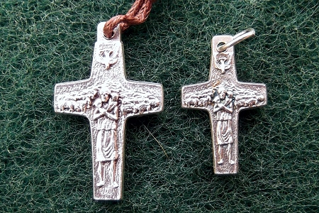 Pope Francis Cross with his Flock - In 2 Sizes