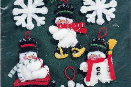 Vintage Snowmen and Snowflakes Felt Appliqué Ornament Kit - Gallery of Stitches by Bucilla