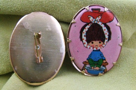 Vintage Sick Little Girl Cabochon Pin - Great for Altering - New Old Stock