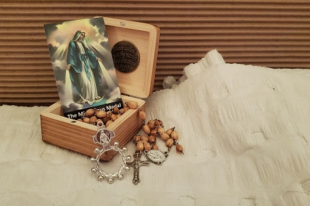 Our Lady of Grace Rosary and Wooden Gift Box Set