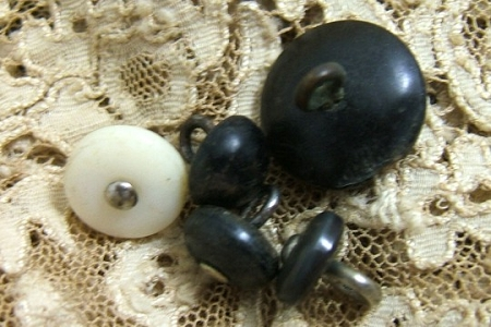 Set of 5 Assorted Vintage Shoe or Boot Buttons