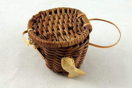 Small Vintage Wicker Fishing Basket (Fishing Creel)