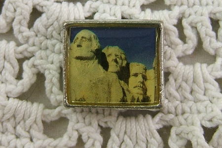 Bead Featuring Mount Rushmore - Washington - Jefferson - Teddy Rosevelt