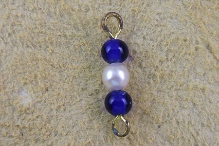 Blue Glass and Faux Pearl on Golden Metal - Vintage Connector