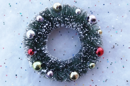 Frosted Green Bottle Brush Christmas Wreath with Decorative Ornaments