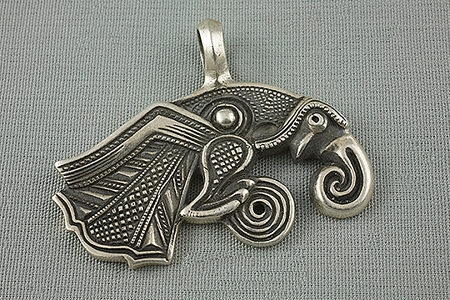 Ravishing Raven Pendant - Huginn of Norse Mythology