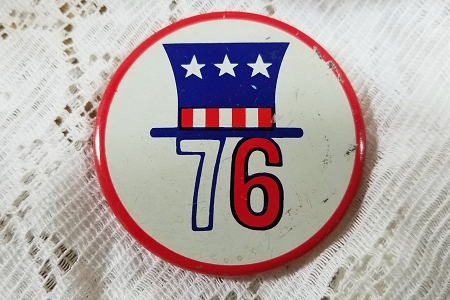 Vintage Collectable  Bicentennial 1776 - 1976 Pin Back Button