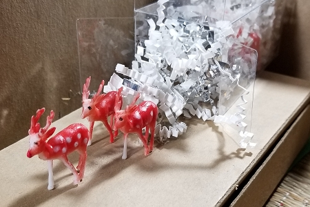 Santa's Reindeer Set in Clear Plastic Box