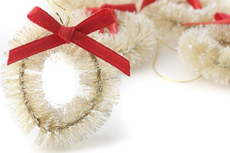 Little Natural White Bottle Brush Wreath