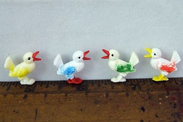 Vintage Old-Style Plastic Component - Little Colorful Birdie