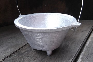 Hanging Aluminum Pot Incense Burner