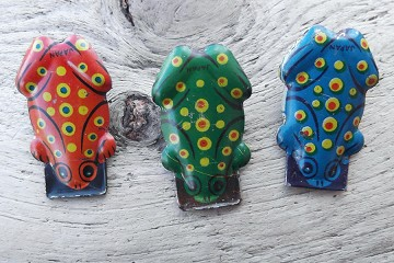 Small Vintage Tin Lithographed Frog Clicker