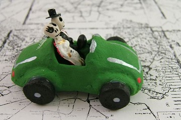 Mini Day of the Dead Figures - Car Couple