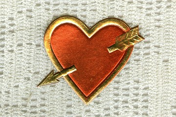 Vintage Gold and Metallic Red Cupid's Heart Dresden