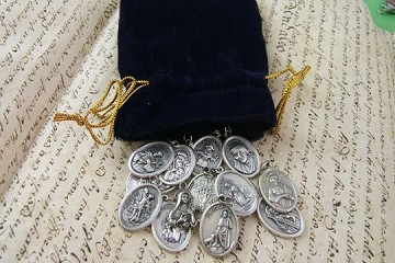 Grab Bag of 10 Religious Medals in VELVET Drawstring Bag