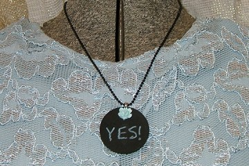 Changeable Chalkboard Necklace with Vintage Rose and Mini Chalk