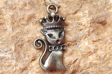 Antiqued Bronze Princess Kitty Charm