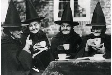 Art Postcard - Tea (4 Lovely Witches)