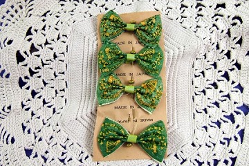 Vintage Old Stock Bow Tie Pins for St Patricks Day: Erin Go Bragh - Package of 4