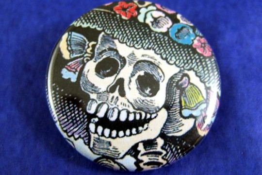 Catrina Pin-Back Button