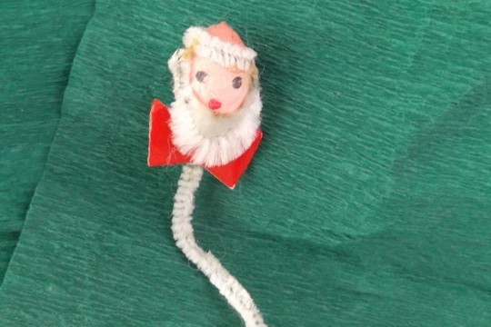 Vintage Chenille & Spun Cotton Santa Head Package Tie-On